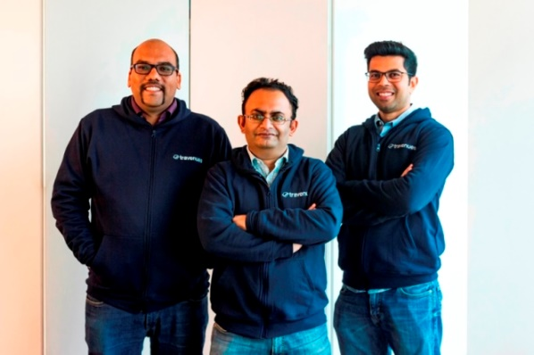 From L to R Aloke Bajpai, Co-founder ixigo, Chandramouli Gopalakrishnan CDO Travenues & Rajnish Kumar , Co-founder ixigo